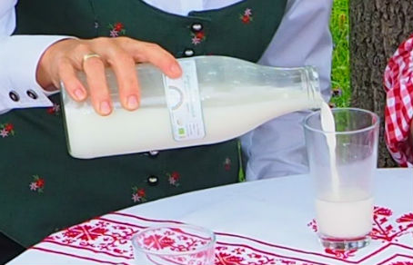 Ziegenmilch und -käse Wirkung: verjüngt und schützt den Körper